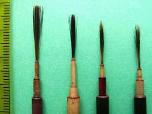 ネズミの毛で作られた蒔絵筆