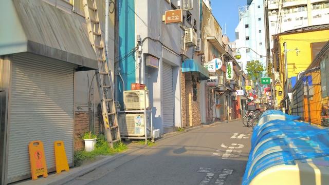 新宿で闊歩するネズミ